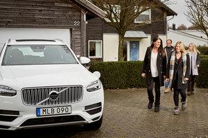 ボルボ スウェーデンの一般家庭が、自動運転化を目指すボルボの実証実験車で開発サポートを開始