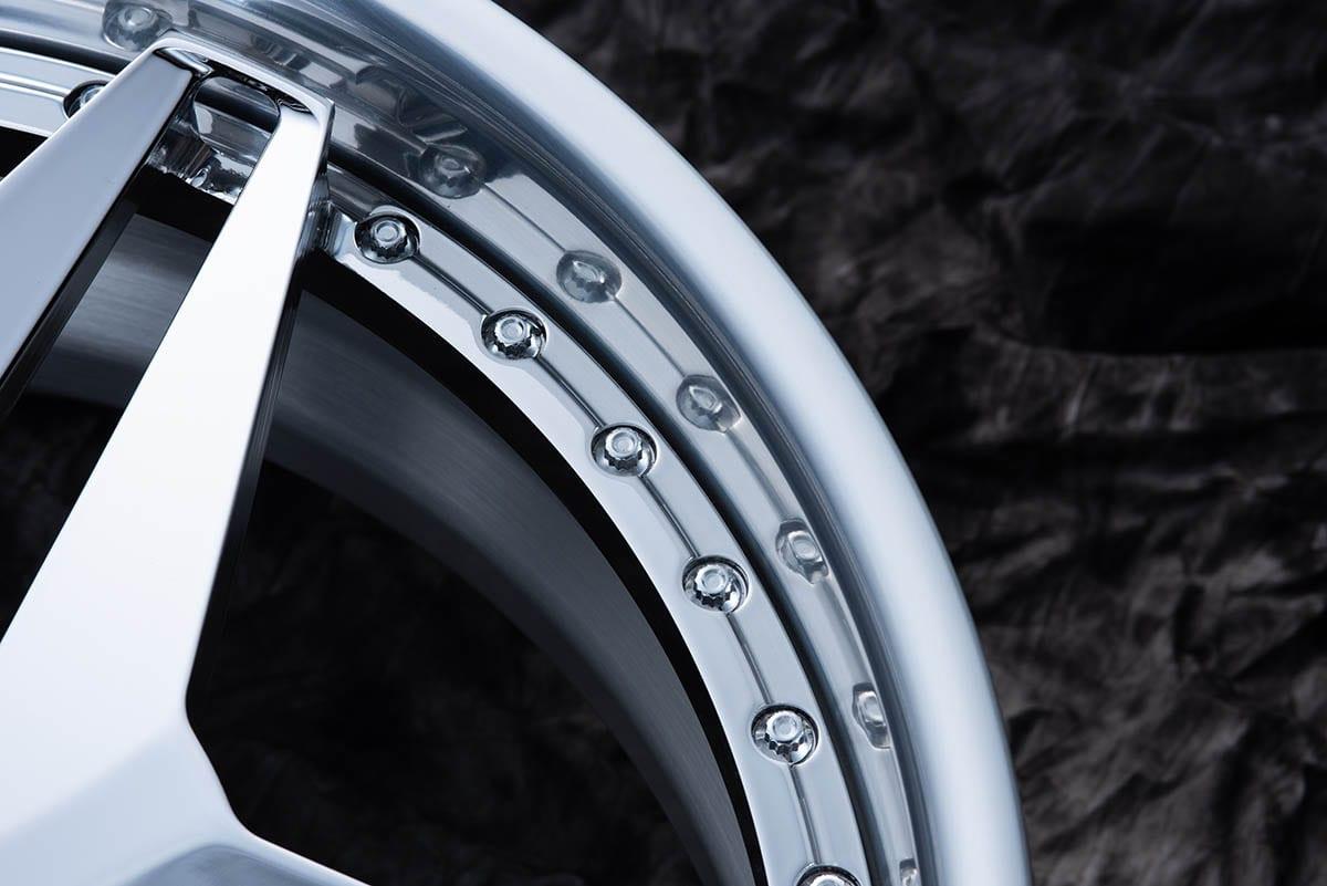 ノスタルジックがいい。デザイン性に優れたハイパフォーマンス鍛造ホイール|スペシャリティフォージド