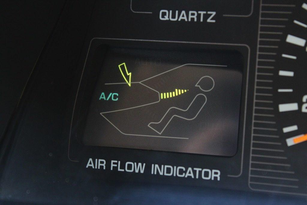 「AMGで喜んでるようじゃまだ甘い!」2.0LV6スーパーチャージャー搭載の激レアグレード!! デボネアの超異端児【ManiaxCars】