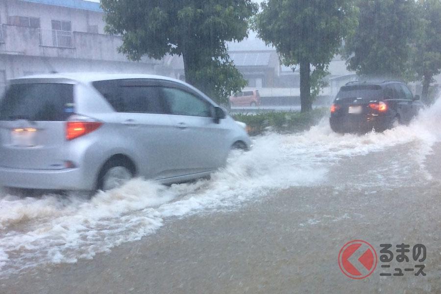 台風時の運転はトラブル激増!? とくにパンクに注意すべき理由とは