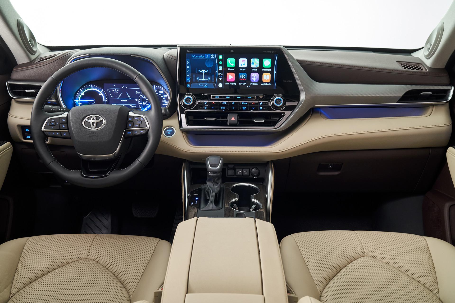トヨタがミドルサイズの3列シートSUV「ハイランダー」の新型を世界初公開