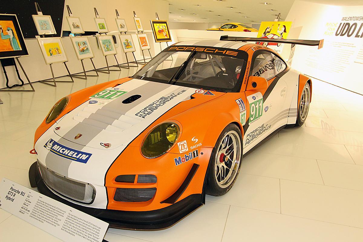 レーシングドライバーが語るこの先の市販EVの開発にはレースが不可欠な理由とは