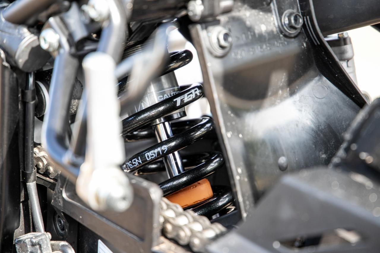 セロー250やCRF250Lはサスペンションで「化ける」。上手くなくてもいいサスに乗るべきワケ
