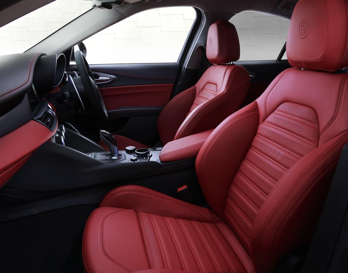 アルファロメオ・ジュリア・ヴェローチェが一部改良!燃費性能や内外装の質感をアップ