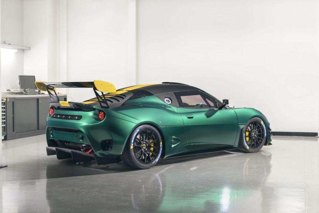 ロータス、今年のグッドウッドは2台の「エヴォーラ GT4 コンセプト」を展示