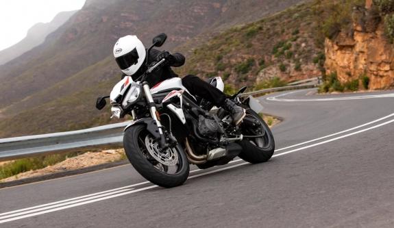 よりアグレッシブなルックスに変身!660ccトリプルエンジンを搭載したトライアンフのストリートモデル「Street Triple S」