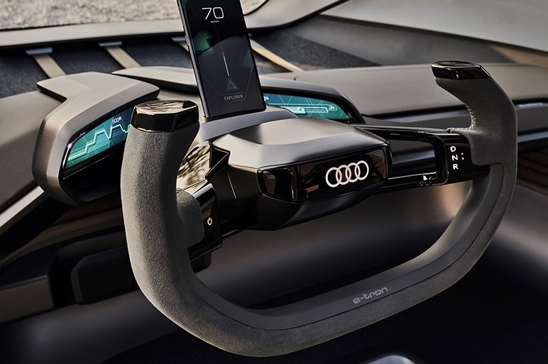 ドローンが前方を照らします。アウディのEVコンセプトカー「AI:トレイル クワトロ」