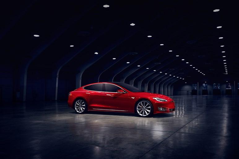 """最新スーパーカーのキーワードは""""加速性能と自動運転性能""""になっていた?"""
