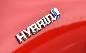 ハイブリッド車とガソリン車はどちらがオトク? 燃費&価格で比較してみた