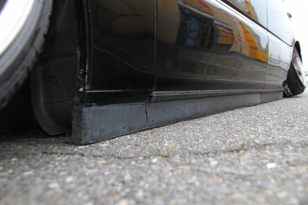「ロードクリアランスは1mm!?」低さを追求するあまりフロアまで大加工したマジェスタ!