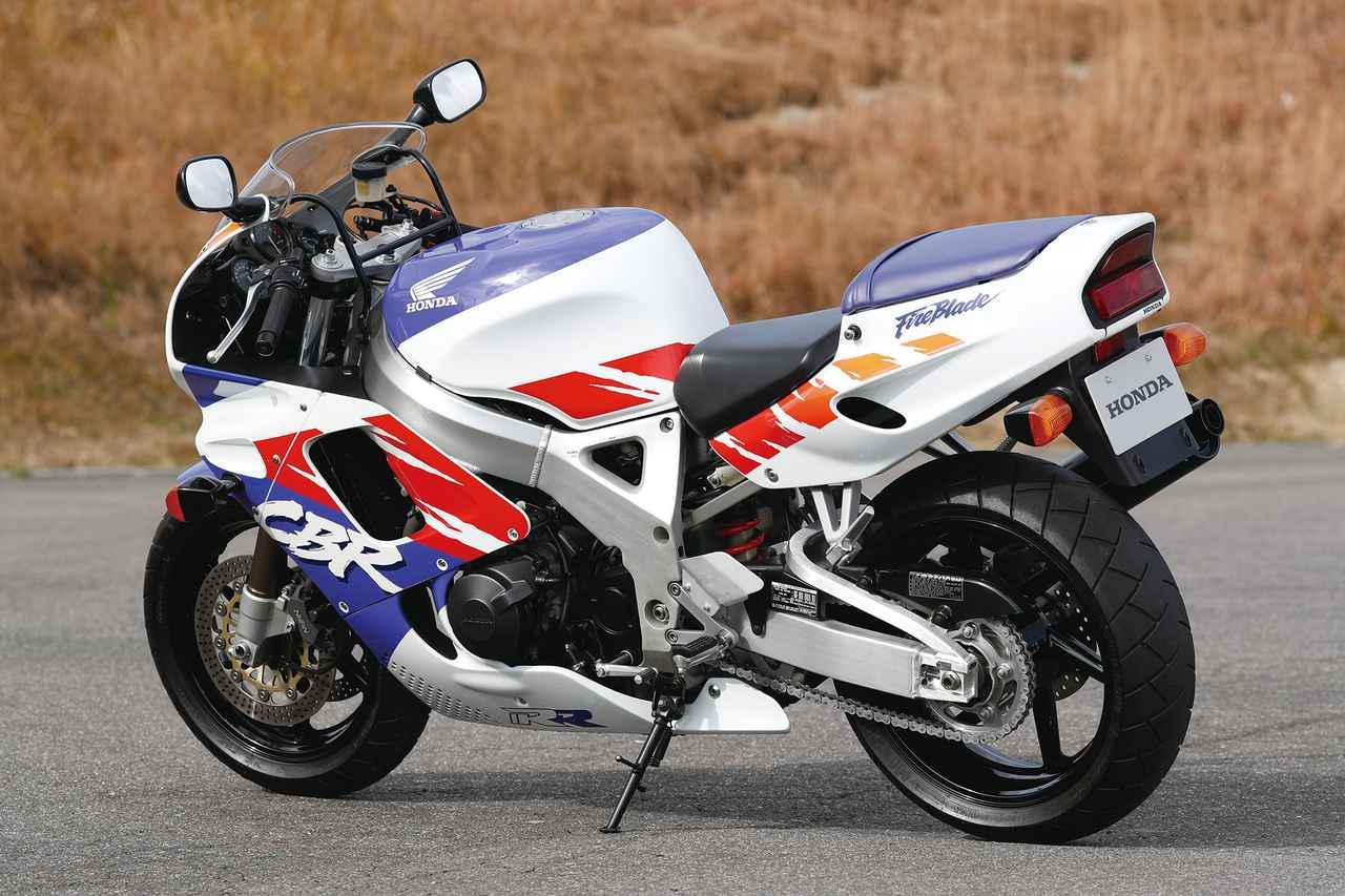 【CBR1000RR-R徹底攻略(3)】ついに日本降臨!! 史上最強CBR、スタンバイ完了!<CBR歴代モデル比較編>
