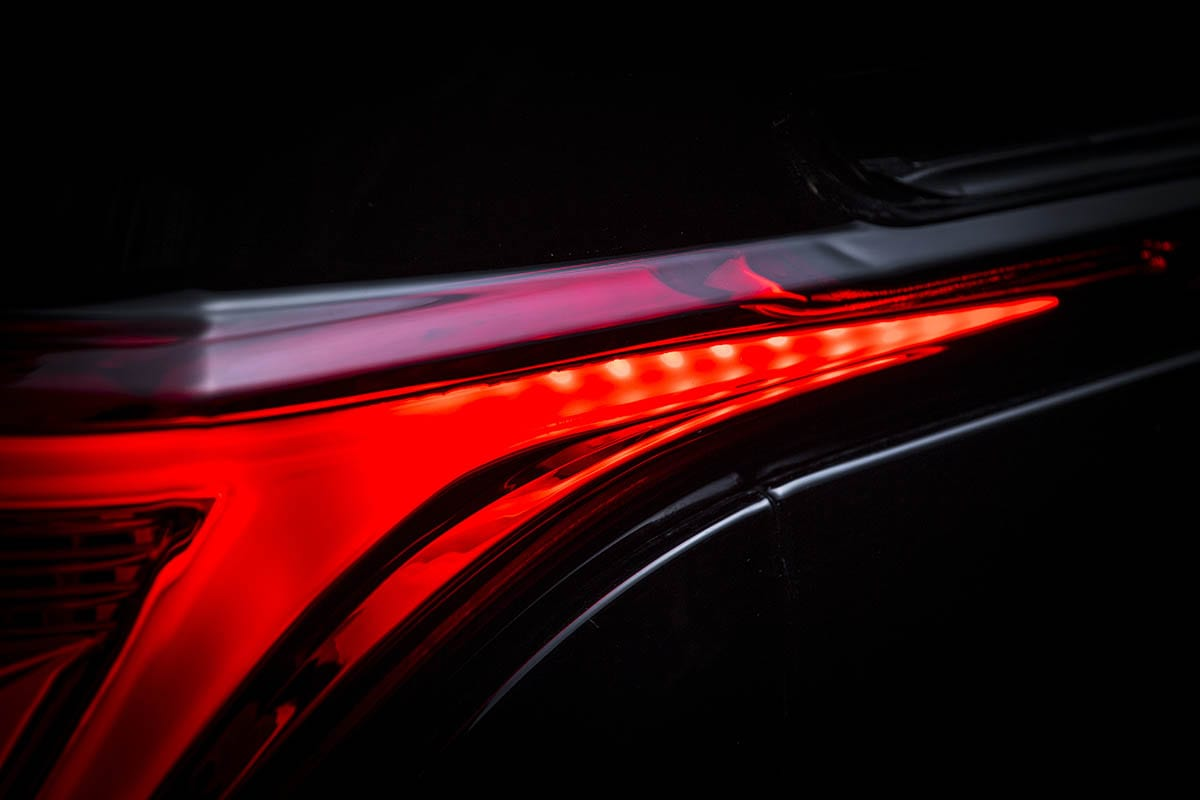 純正でLEDだから変えないの!? 純正にはないこの光のデザインがテールランプを交換する理由
