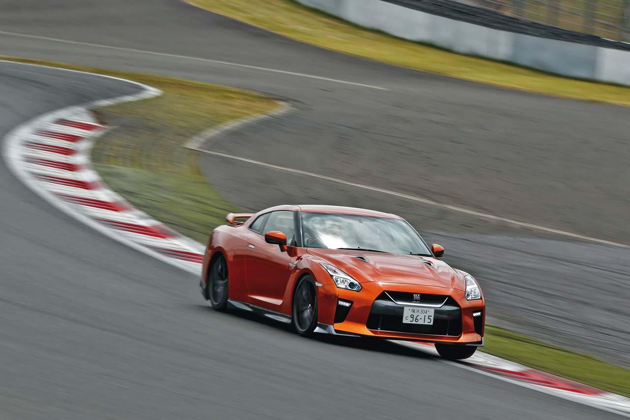 ニッポンが誇る3台のスポーツカー、その実力をサーキットで測る:後編【Playback GENROQ 2017】