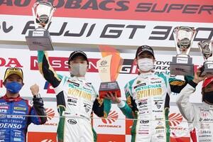 【スーパーGT】高橋一穂オーナーの想いに応えたい……2号車ロータスの加藤寛規、今季初勝利に感極まる