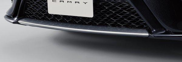 伝統の名門車だからこその挑戦!! カムリに黒と赤の閃光!! 一部改良と特別仕様車