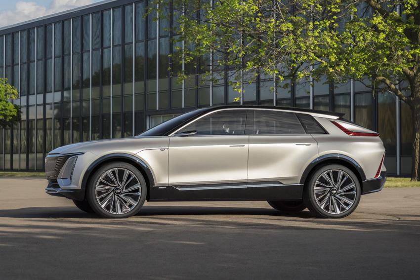 GM キャデラック初の電気自動車クロスオーバーSUV「リリック」発表