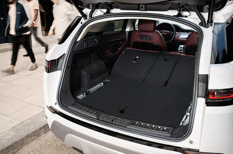 新型レンジローバー イヴォークが世界初公開。ほぼすべてのパーツを一新 価格は約460万円から