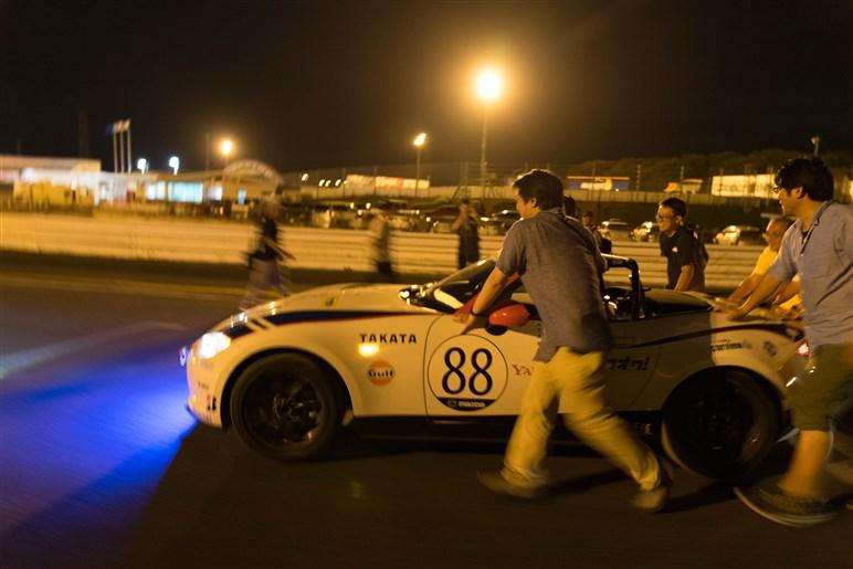 カービューも参戦、第27回メディア対抗ロードスター4時間耐久レース