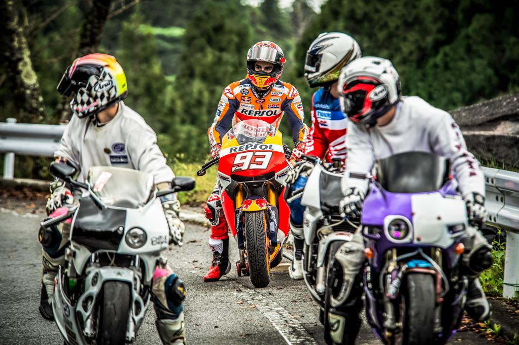 MotoGP世界王者マルケスが『箱根ターンパイク』を激走!  しかもGPマシンでッッッ!!!?