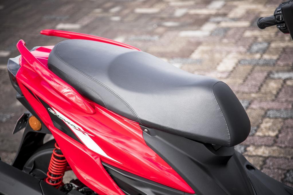 """""""普通に良い""""は褒め言葉。シグナスXは車体も装備も街に◎! しかもエンジンの素性もイイッ!【ヤマハ125ccスクーター試乗レポート 】"""