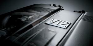 V12、W16、H16…エンジンの気筒数が多いほど、車の性能は上がるのか?