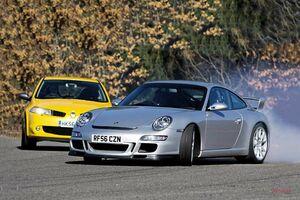 究極のスポーツカーはどっち? ポルシェ911GT3 vs ルノースポール・メガーヌR26