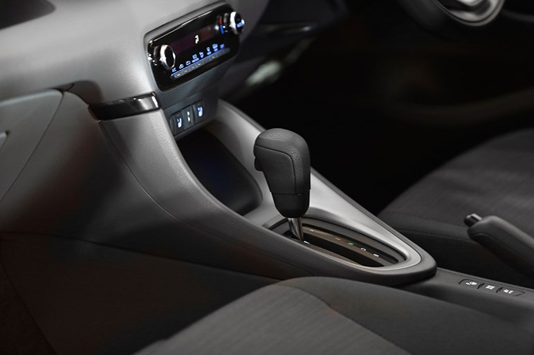新型トヨタ ヤリス初公開。TNGAフル採用の力作だが全車速追従ACCは見送りに
