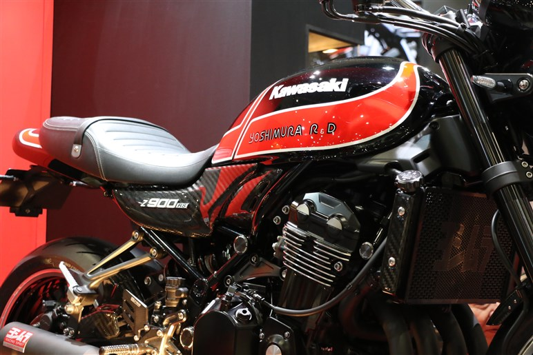 今年の東京モーターサイクルショーのベスト展示賞はヨシムラに差し上げたい