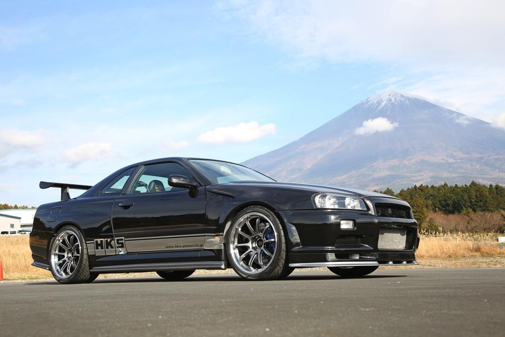 「第二世代GT-Rはまだまだ進化する」HKSの新世代サスペンションシステムに注目!