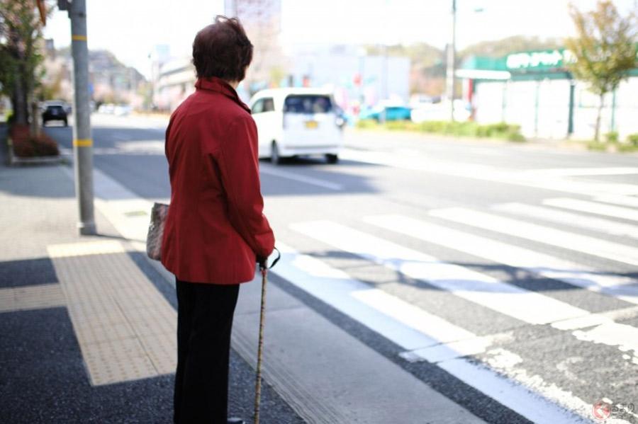 いつ返納する? 社会問題化した「高齢者の免許」返納を望む声が約4割も