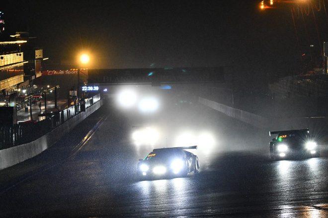 スパ24時間:レースは強い雨のため残り11時間強で赤旗中断に