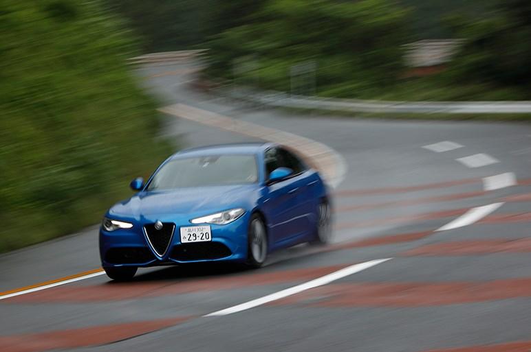 アルファ ジュリアの走りは3シリーズに匹敵。残るはドイツに負けない先進感