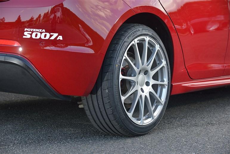 ブリヂストンの新スポーツタイヤ、ポテンザS007Aは走りに加え快適性にもこだわった
