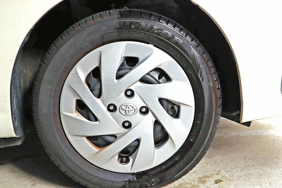 タイヤワックスの『水性と油性』はどう違う? タイヤの寿命を左右することも