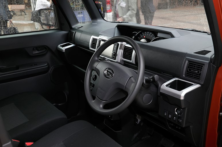 ハイゼットキャディー発売。働く人の「楽」を考えたウェイク派生の軽商用車