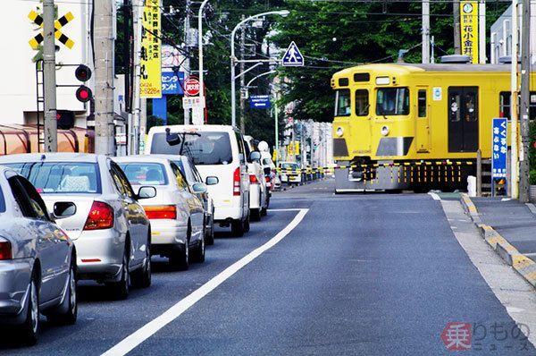 踏切での一時停止に戸惑い 「ここが変だよ」日本の交通ルール