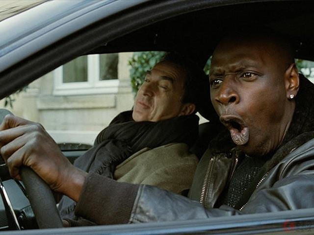 4.2リッターV8「マセラティ クアトロポルテ」でカーチェイス フランス映画『最強のふたり』
