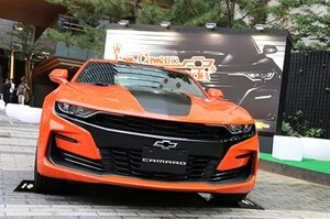 「カマロ」マイナーチェンジでエクステリア変更 V8の「SS」は10速AT搭載