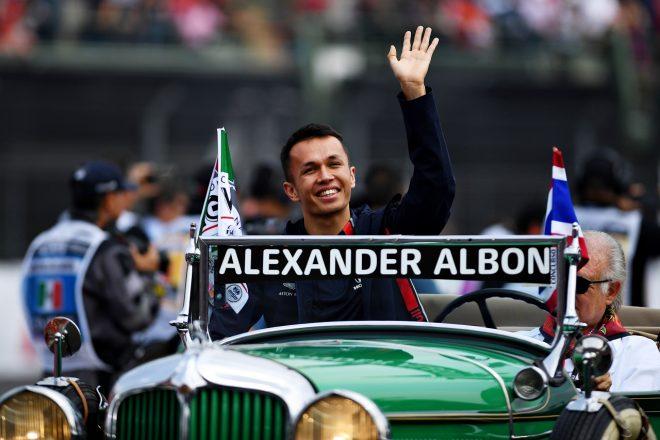 5位のアルボン、最速ラップでは2位「上位を走って興奮。1回ストップだったらどうなっていたかな」レッドブル・ホンダF1