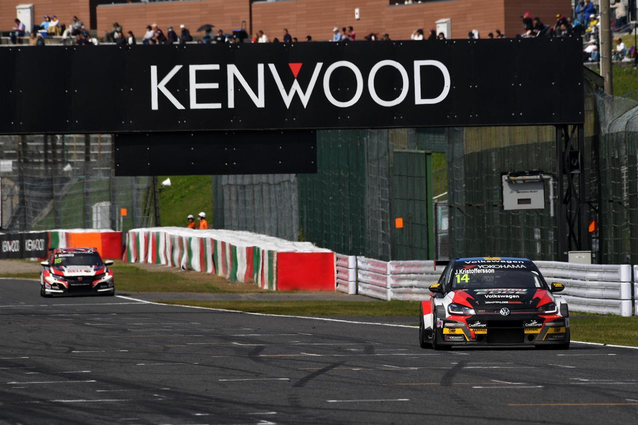 RACE2はミケリス(ヒュンダイ) RACE3はクリストファーソン(VWゴルフ)の勝利【FIA WTCR Rd08 RACE OF JAPAN】