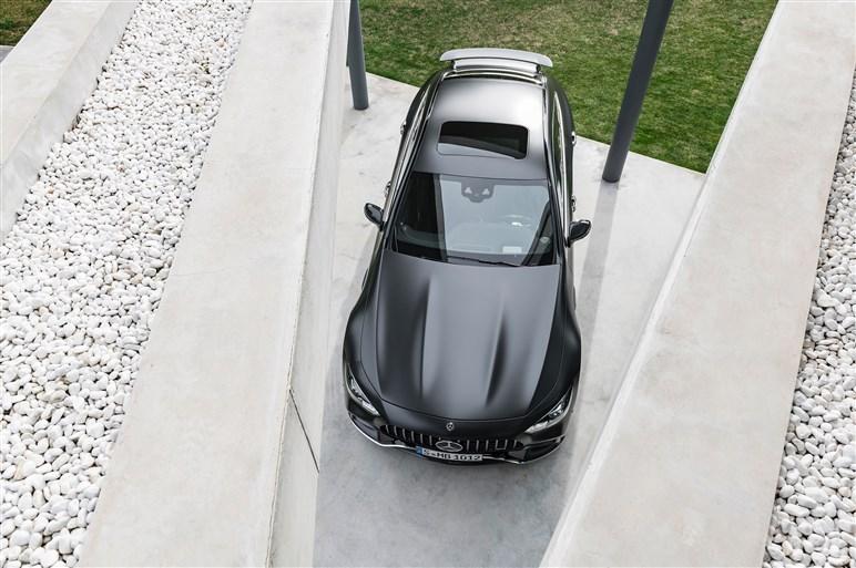 AMG GTの4ドアクーペが発表。パナメーラに強力なライバルが誕生
