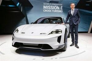 ポルシェがジュネーブで「ミッションEクロスツーリスモ」をサプライズ公開。市販は意外に早い?