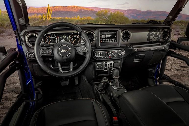 """ラングラーが特別設計のアクセサリーで""""どハード""""なオフローダーに。ジープが限定車「ラングラーJPP20」を披露"""