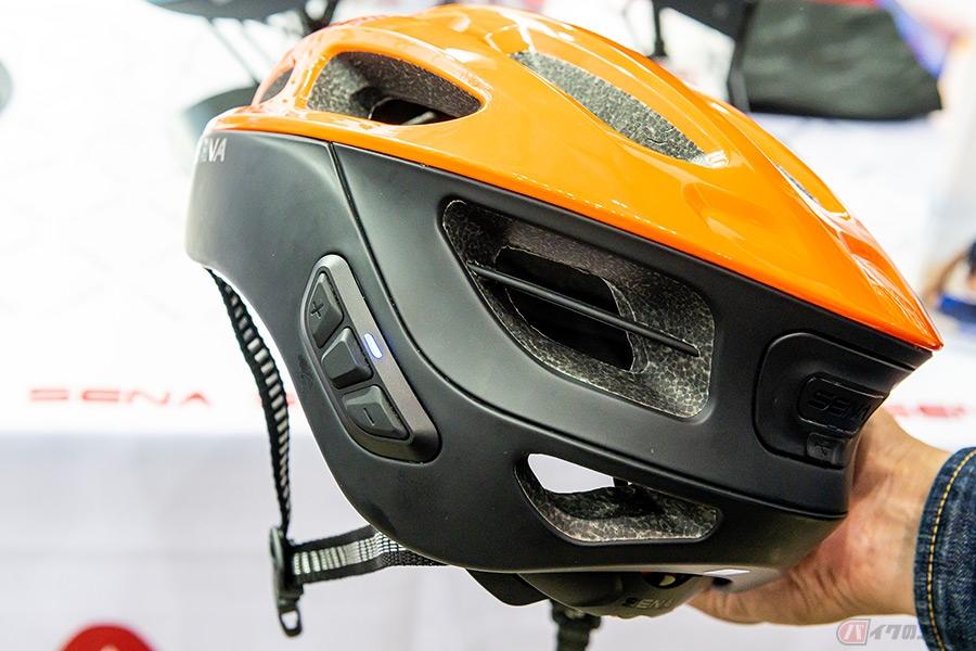 通気口だらけのスポーティなサイクルヘルメット 安全性に加え求められる機能と最近のトレンドとは?