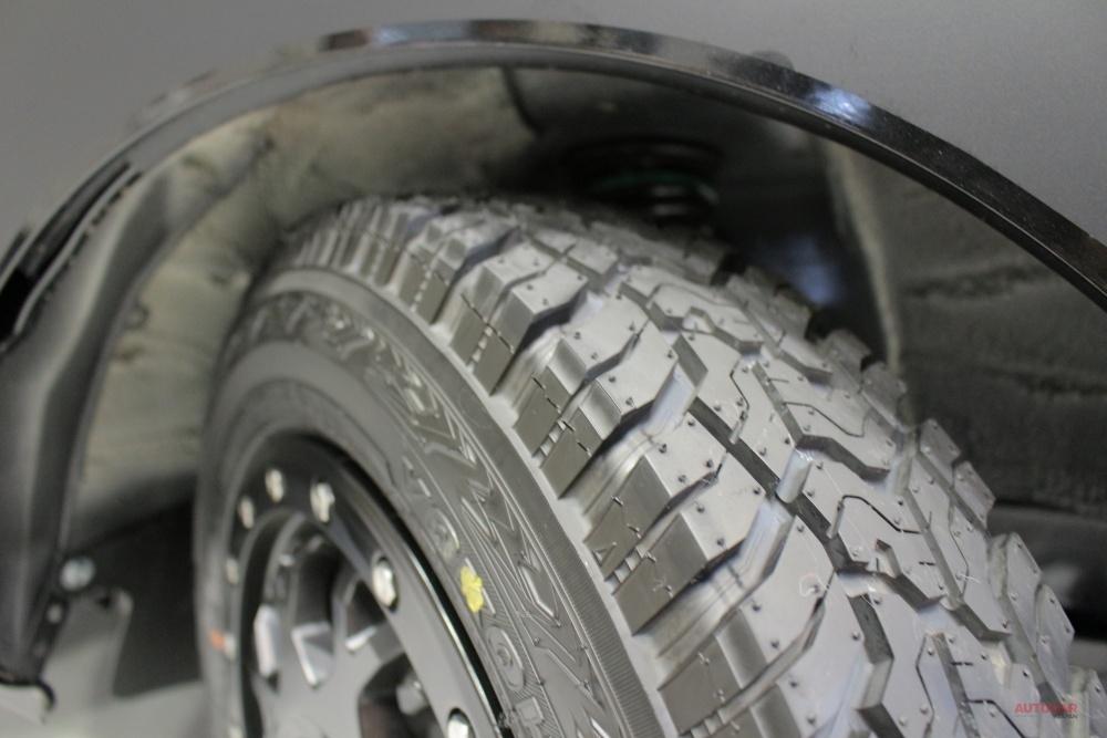 【軽トラ リフトアップ】SUV用タイヤ、ジオランダーX-ATの14インチ キャンピングカーショー