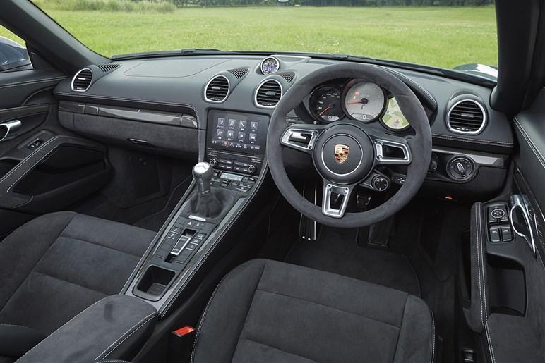718 ボクスター GTSはピュアな走りの領域で911を超えた
