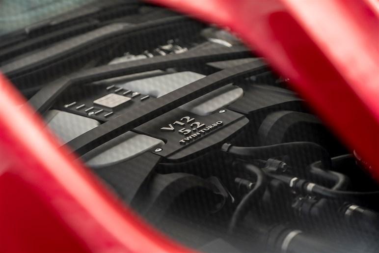 アストンの頂点モデルがDBSの名前を復活。ライバルはフェラーリ812