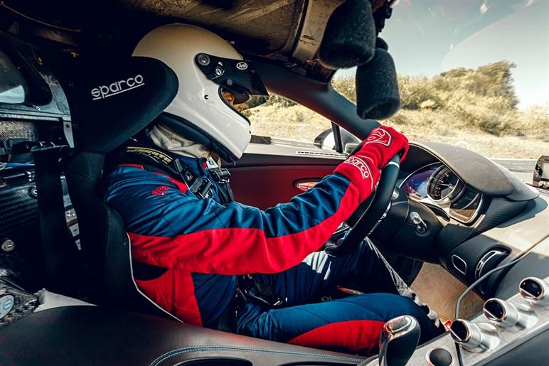 ブガッティ、シロン ピュール スポール同乗で3億5000万円のクルマでサーキットや峠を飛ばす富豪の異世界を見た!?