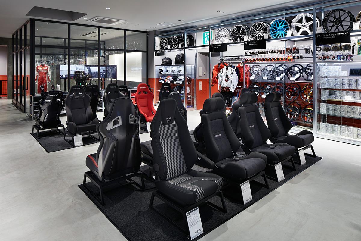 従来の常識を覆す新世代カー用品店「A PIT AUTOBACS SHINONOME」が11/29にオープン