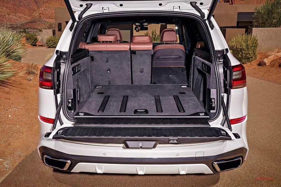 新型BMW X5(日本仕様) リバース・アシスト搭載 サイズ/内装/装備/価格は?
